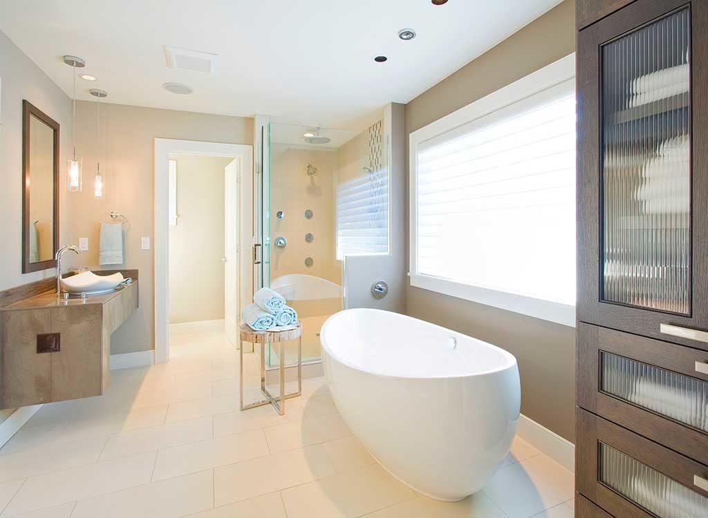 148 S Laurel Ave Bathroom